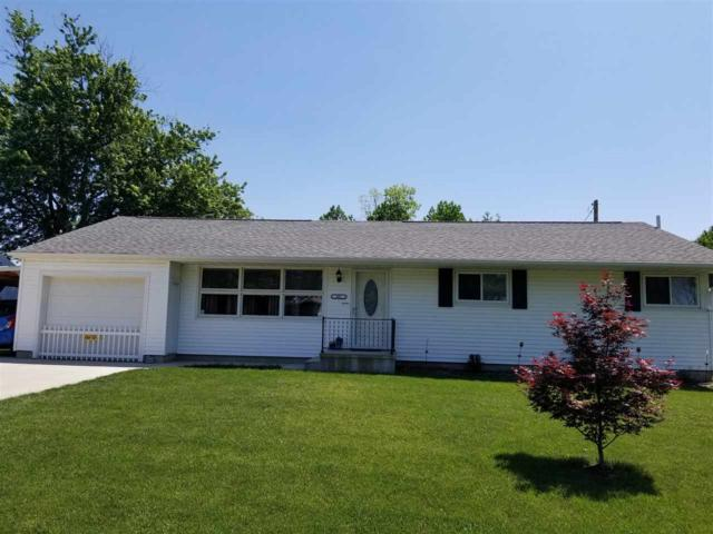 107 N White, Mackinaw, IL 61755 (#1194899) :: Adam Merrick Real Estate