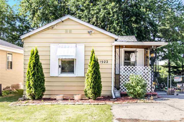 1922 E Princeton Street, Peoria, IL 61614 (#1195086) :: Adam Merrick Real Estate