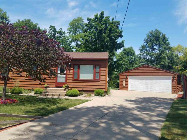1001 Collins, Bartonville, IL 61607 (#1195113) :: Adam Merrick Real Estate