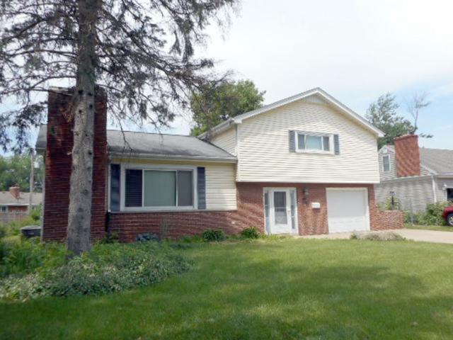1011 N Hushaw Avenue, Chillicothe, IL 61523 (#1195475) :: Adam Merrick Real Estate