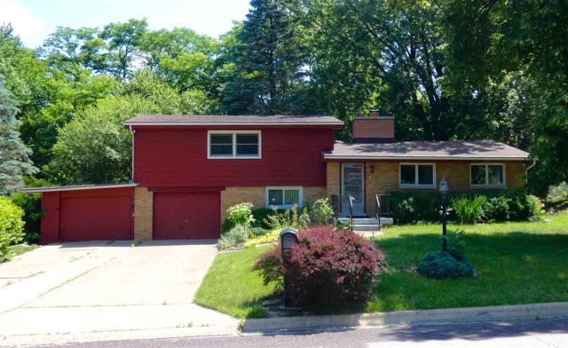 5416 N Stephen Drive, Peoria, IL 61614 (#1195578) :: Adam Merrick Real Estate