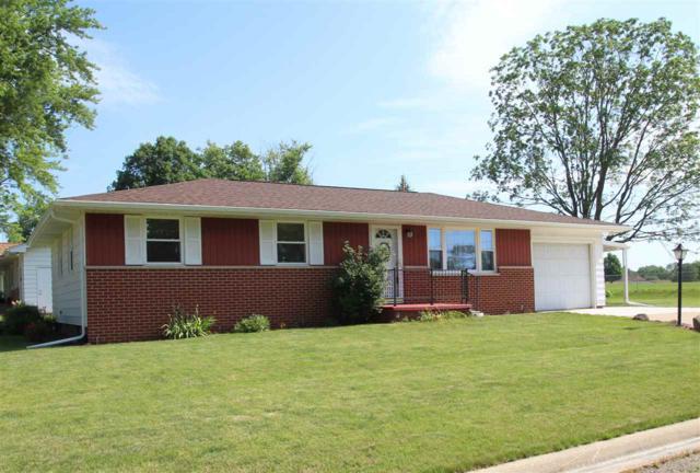 320 Crestlawn Drive, Washington, IL 61571 (#1195591) :: RE/MAX Preferred Choice