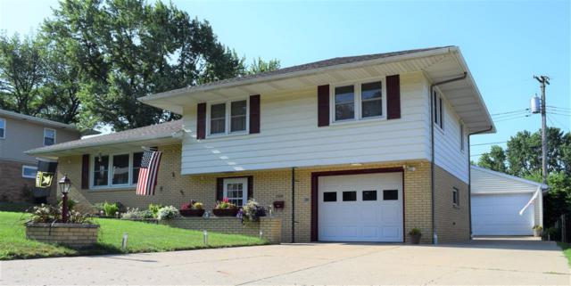 1306 W Coolidge Avenue, Pekin, IL 61554 (#1195603) :: Adam Merrick Real Estate
