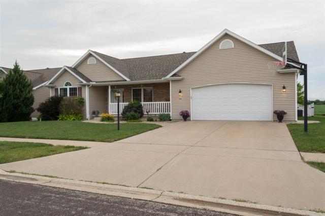 1421 Santa Fe, Washington, IL 61571 (#1195718) :: Adam Merrick Real Estate