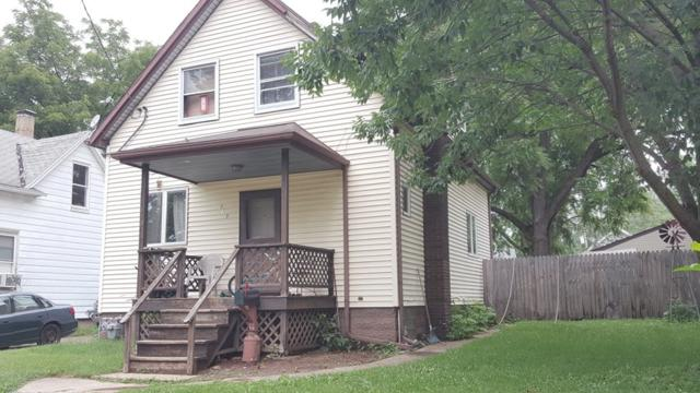819 W Brons, Peoria, IL 61604 (#1195761) :: Adam Merrick Real Estate