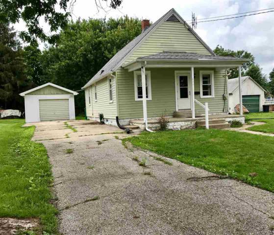 446 E Court, Farmington, IL 61531 (#1195827) :: Adam Merrick Real Estate