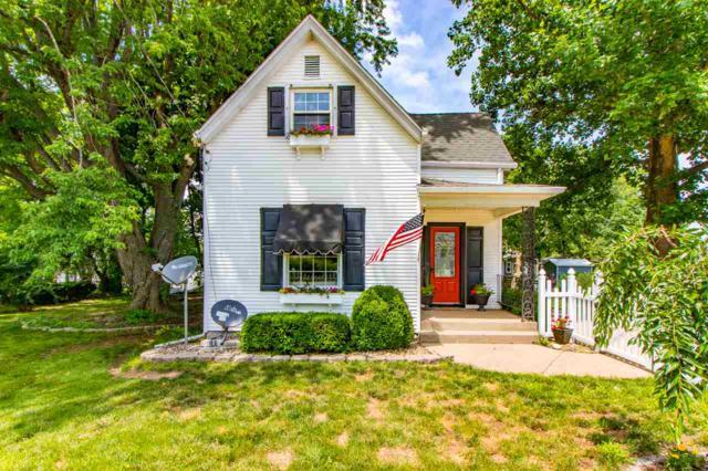 132 Crescent Avenue, East Peoria, IL 61611 (#1195831) :: Adam Merrick Real Estate