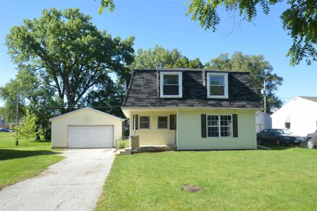 111 W Holly Drive, Washington, IL 61571 (#1196000) :: Adam Merrick Real Estate