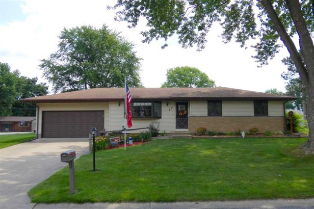 17 Sandalwood Lane, Bartonville, IL 61607 (#1196215) :: Adam Merrick Real Estate