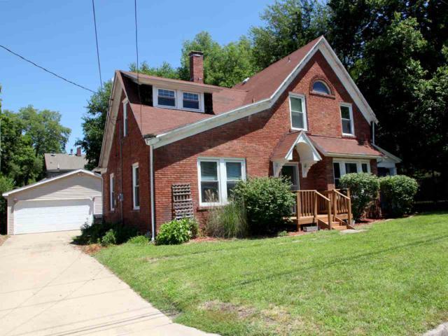 709 Mclean Street, Pekin, IL 61554 (#1196240) :: Adam Merrick Real Estate