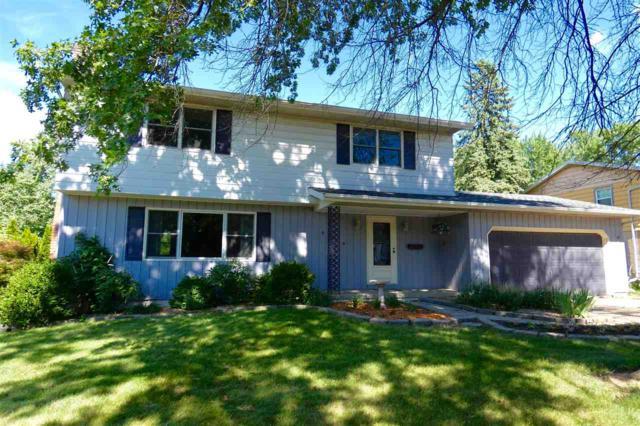 6426 N Oakbrook Court, Peoria, IL 61614 (#1196277) :: Adam Merrick Real Estate
