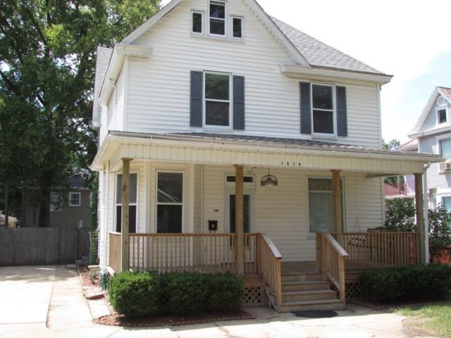 1019 S 5TH Street, Pekin, IL 61554 (#1196381) :: Adam Merrick Real Estate