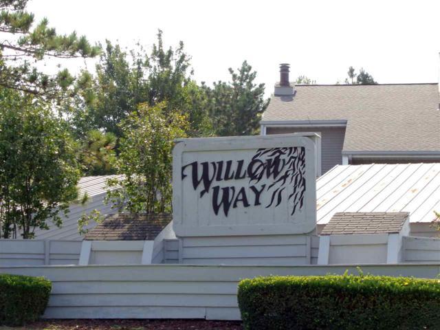 2608 W Willowlake Drive, Peoria, IL 61614 (#1196398) :: Adam Merrick Real Estate