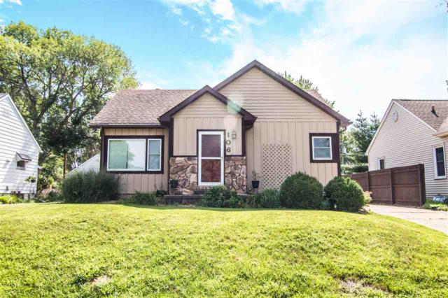 106 N 18TH Street, Pekin, IL 61554 (#1196545) :: Adam Merrick Real Estate