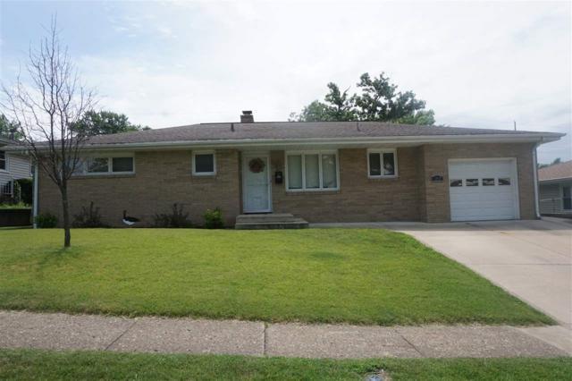 1202 Lincoln, Pekin, IL 61554 (#1196590) :: Adam Merrick Real Estate