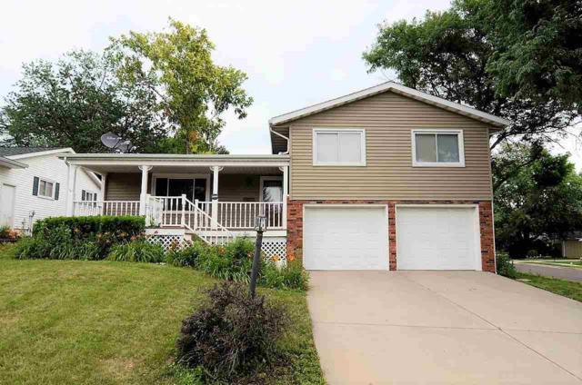 5600 N Rosemead Drive, Peoria, IL 61614 (#1196641) :: Adam Merrick Real Estate