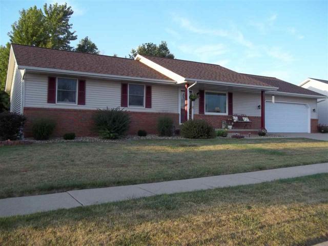 813 Dennis Drive, Eureka, IL 61530 (#1196862) :: Adam Merrick Real Estate