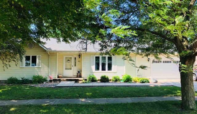 227 N Adams Street, Brimfield, IL 61517 (#1197060) :: Adam Merrick Real Estate