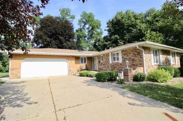 207 Indian Creek Court, Pekin, IL 61554 (#1197113) :: Adam Merrick Real Estate