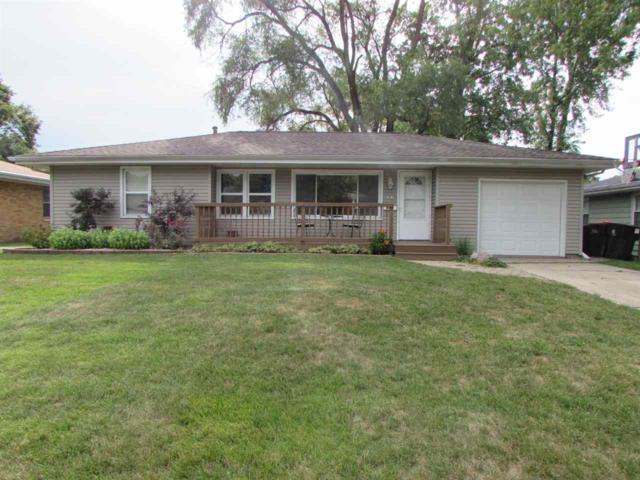 2525 N Renwood Avenue, Peoria, IL 61604 (#1197151) :: Adam Merrick Real Estate