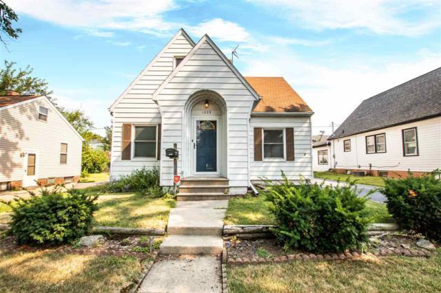 1223 E Forrest Hill Avenue, Peoria, IL 61603 (#1197366) :: Adam Merrick Real Estate
