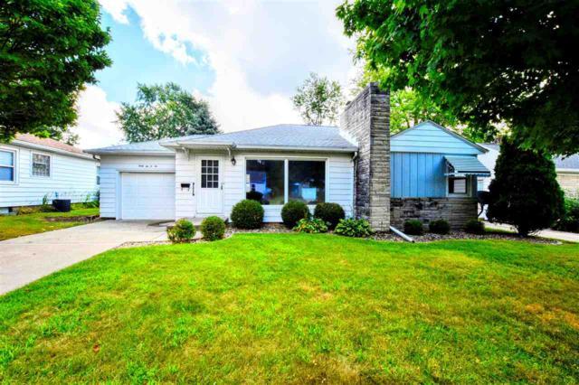 4202 N Devon, Peoria, IL 61615 (#1197540) :: Adam Merrick Real Estate
