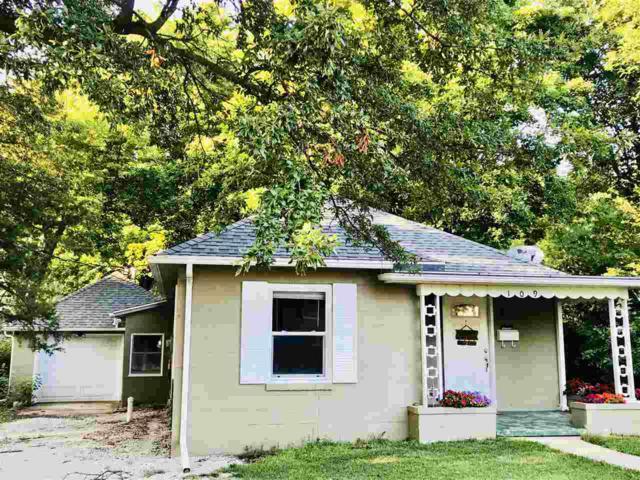 109 W Crow Street, Eureka, IL 61530 (#1197652) :: Adam Merrick Real Estate