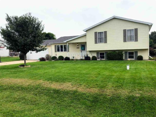 14144 Grandview, Manito, IL 61546 (#1197869) :: Adam Merrick Real Estate
