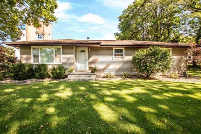 301 N Washington Street, Manito, IL 61546 (#1197944) :: Adam Merrick Real Estate