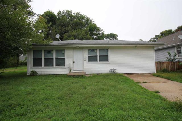 829 E Virginia Avenue, Peoria, IL 61603 (#1198065) :: Adam Merrick Real Estate