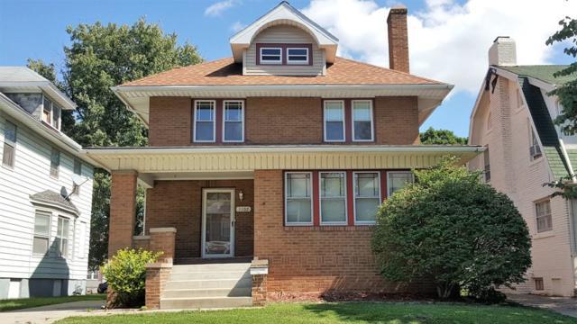 1102 N Elmwood Avenue, Peoria, IL 61606 (#1198161) :: Adam Merrick Real Estate