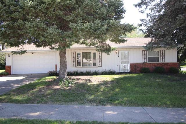 3704 N Melcosta Drive, Peoria, IL 61615 (#1198198) :: Adam Merrick Real Estate