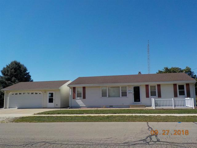 511 N Benedict Street, Chillicothe, IL 61523 (#1198681) :: Adam Merrick Real Estate