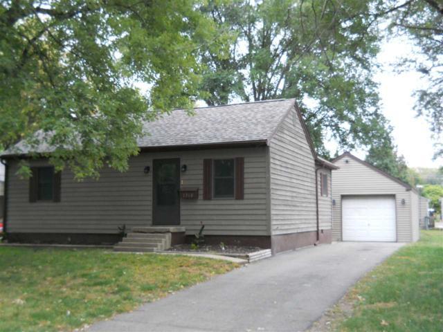 1318 S 10TH Street, Pekin, IL 61554 (#1198796) :: Adam Merrick Real Estate