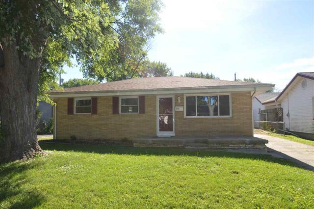 402 Fairlane, Pekin, IL 61554 (#1198896) :: Adam Merrick Real Estate