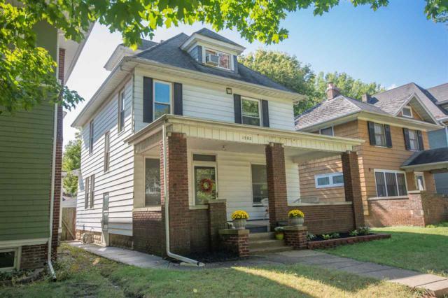 1502 W Columbia Terrace, Peoria, IL 61606 (#1198948) :: Adam Merrick Real Estate