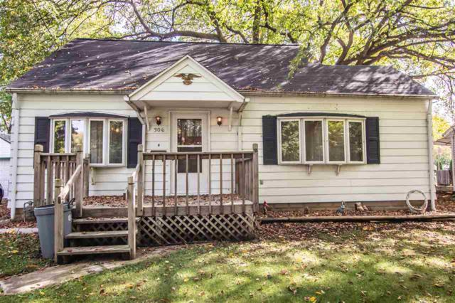 306 S Arthur Avenue, Manito, IL 61546 (#1198995) :: Adam Merrick Real Estate