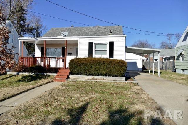1611 W Willcox, Peoria, IL 61604 (#1201078) :: Adam Merrick Real Estate