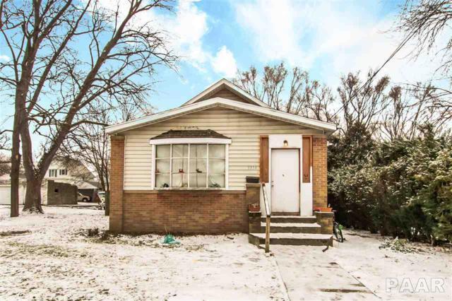 1114 E Corrington, Peoria, IL 61603 (#1201637) :: Adam Merrick Real Estate