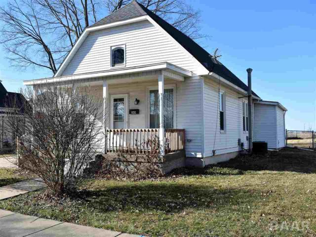 365 W Court, Farmington, IL 61531 (#PA1202915) :: Adam Merrick Real Estate