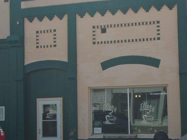127 E Main, Princeville, IL 61559 (#PA1203379) :: The Bryson Smith Team