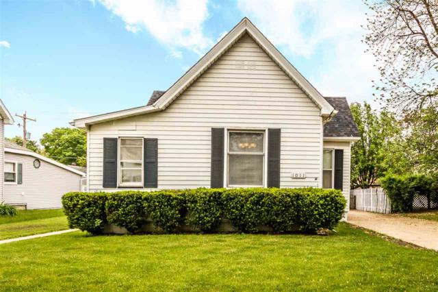 1011 State Street, Pekin, IL 61554 (#PA1204973) :: The Bryson Smith Team