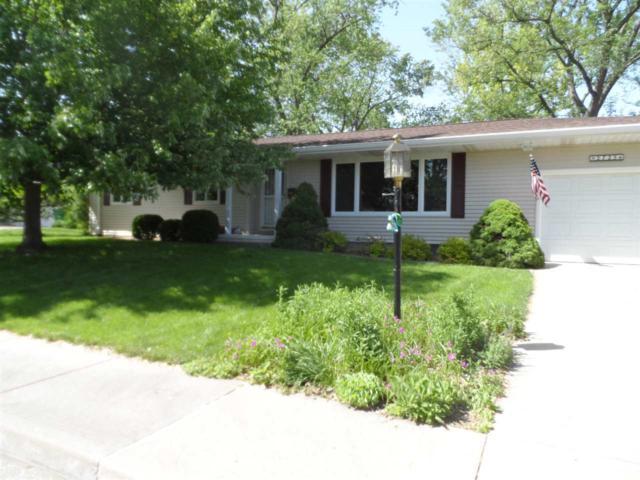 2725 W Creston Lane, Peoria, IL 61604 (#PA1205030) :: Adam Merrick Real Estate