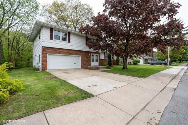 2621 N Kingston Drive, Peoria, IL 61604 (#PA1205094) :: Adam Merrick Real Estate