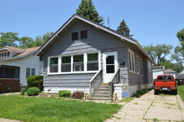 1021 W Virginia Avenue, Peoria, IL 61604 (#PA1205397) :: Killebrew - Real Estate Group