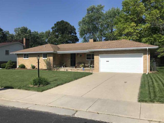 2721 N Rockwood Drive, Peoria, IL 61604 (#PA1205537) :: Adam Merrick Real Estate