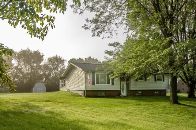 10230 N Fox Creek Drive, Brimfield, IL 61517 (#PA1205897) :: Adam Merrick Real Estate