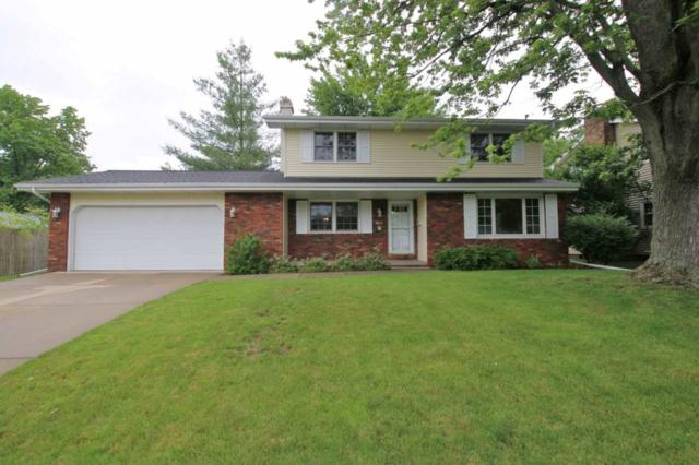 3015 W Gilbert Avenue, Peoria, IL 61604 (#PA1205904) :: Adam Merrick Real Estate
