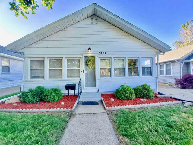 1307 State Street, Pekin, IL 61554 (#PA1205944) :: Adam Merrick Real Estate