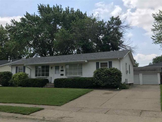 1637 W 43RD Street, Davenport, IA 52806 (#QC175) :: Adam Merrick Real Estate